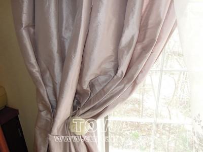 シルクのカーテン