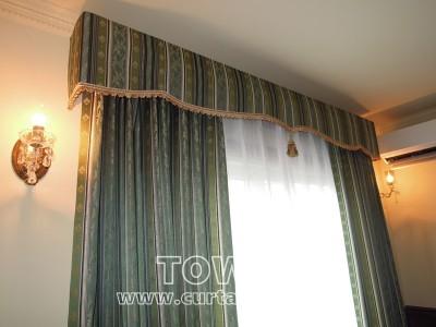 クラシカルなカーテン