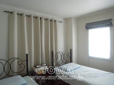 白いハトメカーテン