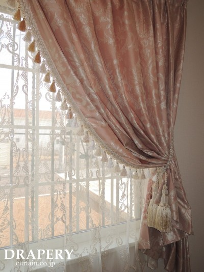 トリム付カーテン