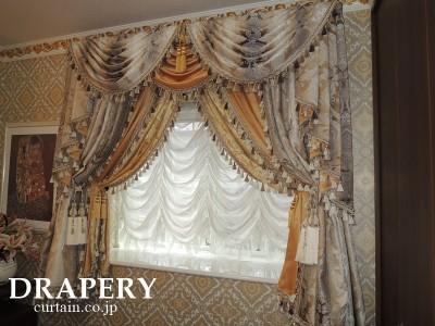 スペインのカーテン