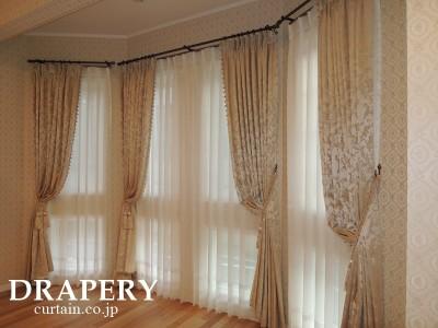塔屋のカーテン