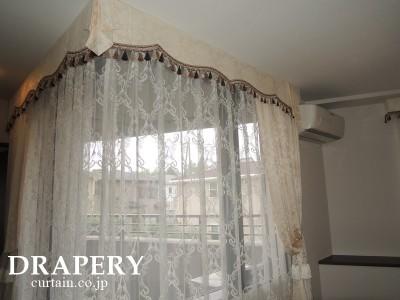 コーナー窓のカーテン