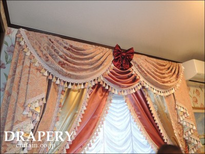 お姫様のカーテン