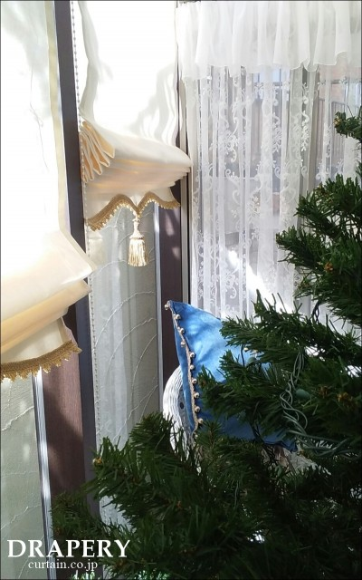 クリスマスとカーテン