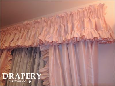 女の子のカーテン