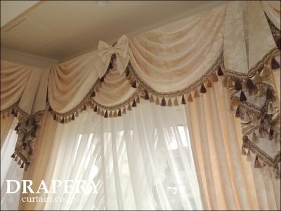 お城のようなカーテン