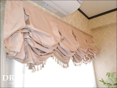 お城っぽいカーテン