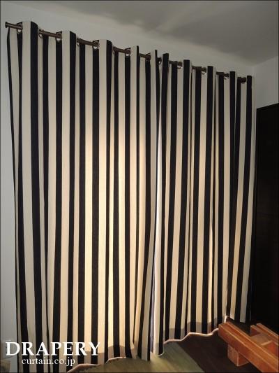 デニムのカーテン