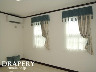 輸入住宅のカーテン