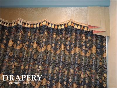 いちご泥棒のカーテン